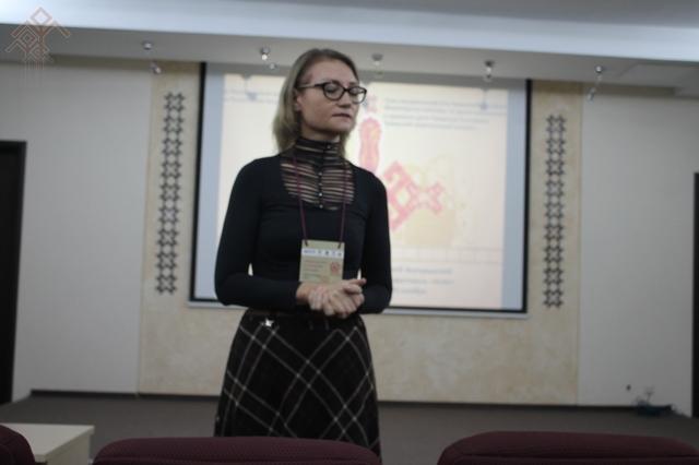 О работе над своими фильмами рассказывает Марина Карягина