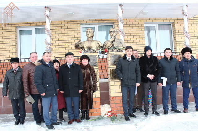 Памятники на могилу чебоксары гладкова памятники гродно цены района